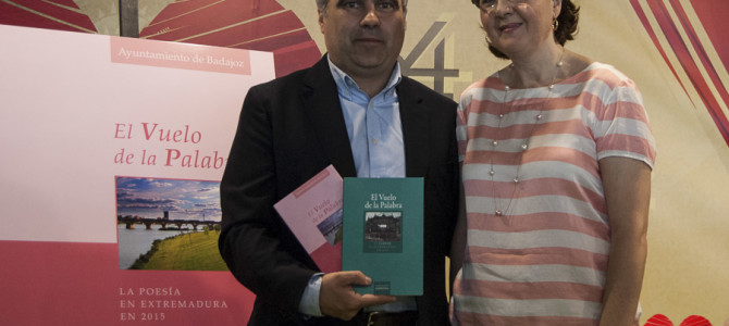 """Presentados los volúmenes de """"El Vuelo de la Palabra""""- Badajoz ONline Tv"""